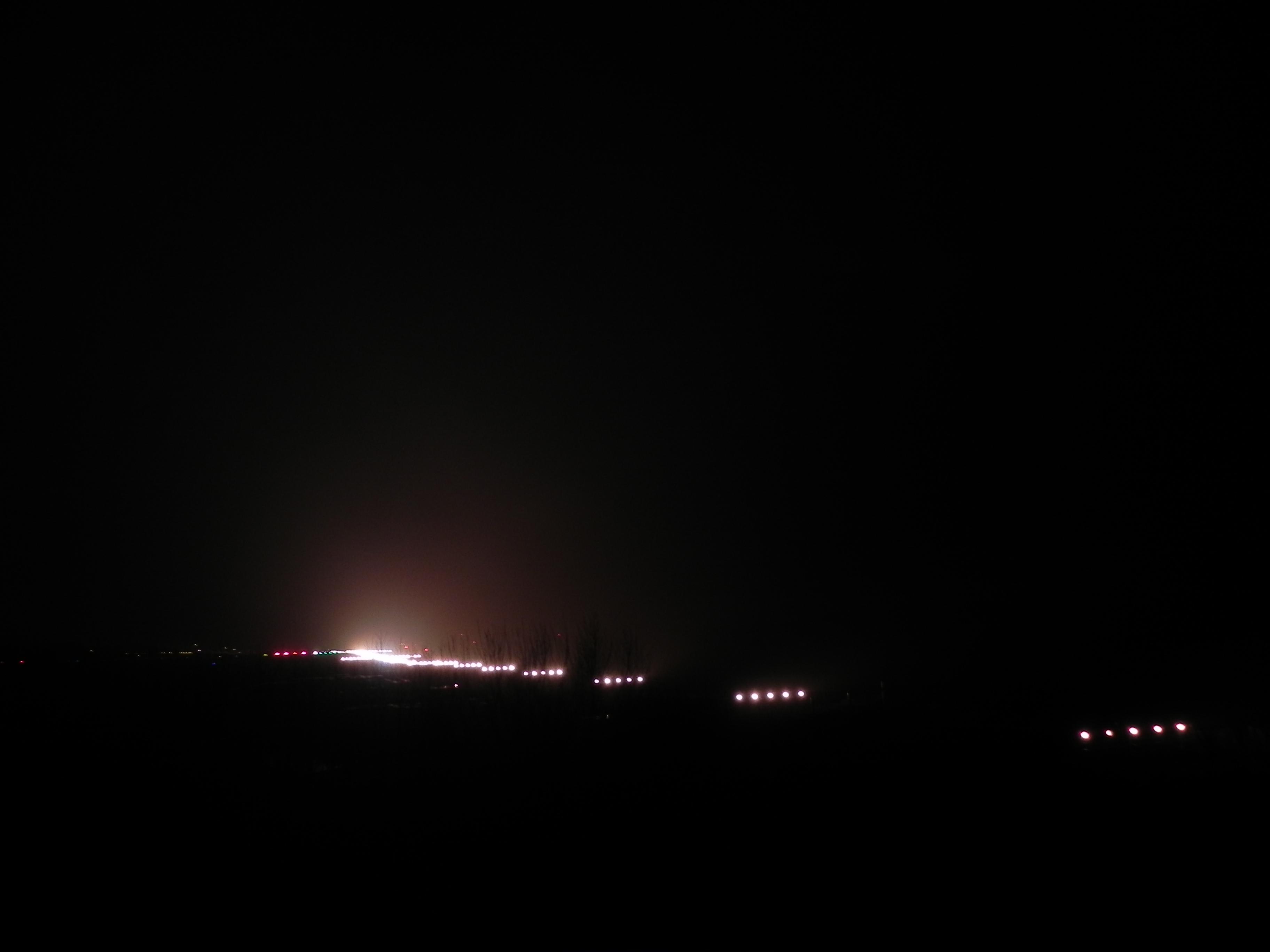 21 | Flughafen Hamburg bei Nacht & Nebel